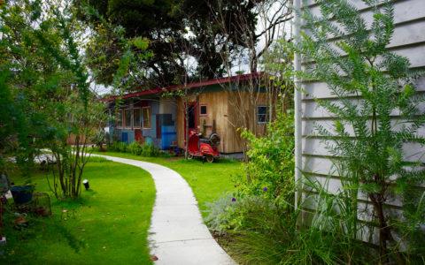 庭とガレージ